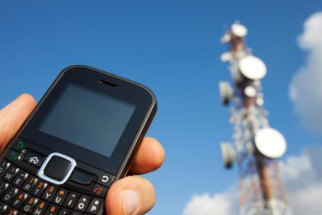 cellphone-tower-mobile-phone