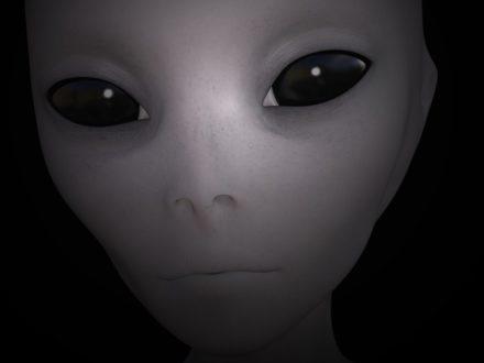 alien-1534975_1920-440x330