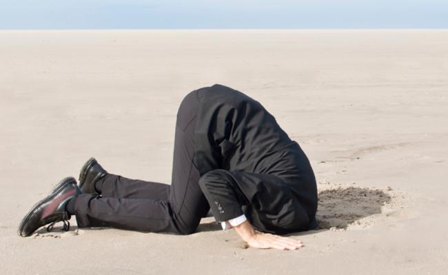 mettere-la-testa-sotto-la-sabbia